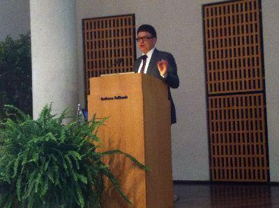 Dr Martin Kilgus im Rathaus Fellbach 06-03-16 klein 400x300