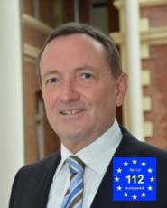 Innenminister Dr. Holger Poppenhaeger_mit_Notruflogo_Schirmherr_230