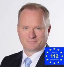 Senator Michael Neumann Hamburg mit Notruflogo Schirmherr-230